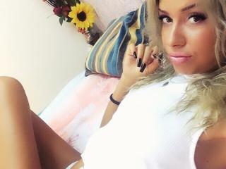 JullyaJolly smoking cam girl
