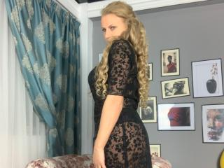 AdrianaHotty wet webcam sex show
